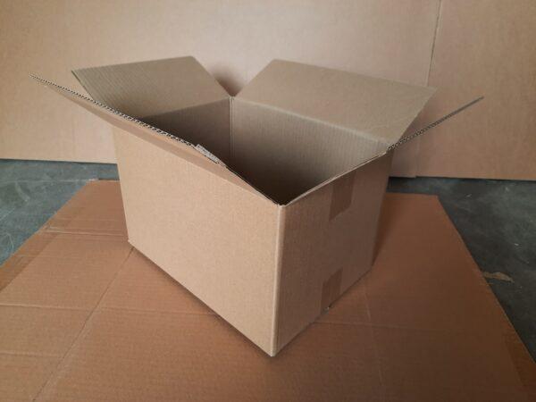 Коробка БУ 330x230x200