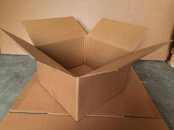 Коробка БУ 390x370x250